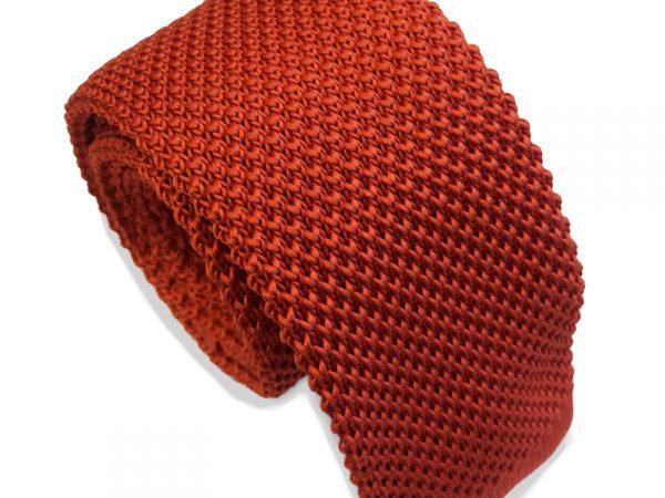 gebreide-vuurrood-stropdas